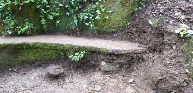 Descoberta de l'extrem del banc que estava enterrat